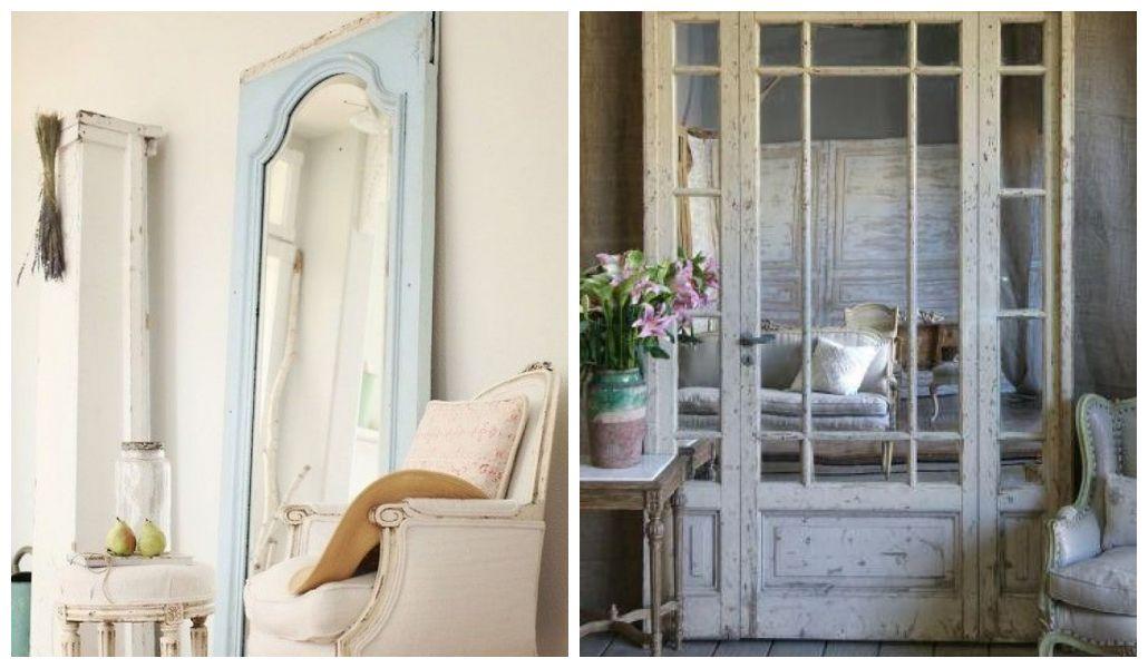 Lustro w ramach starych drzwi