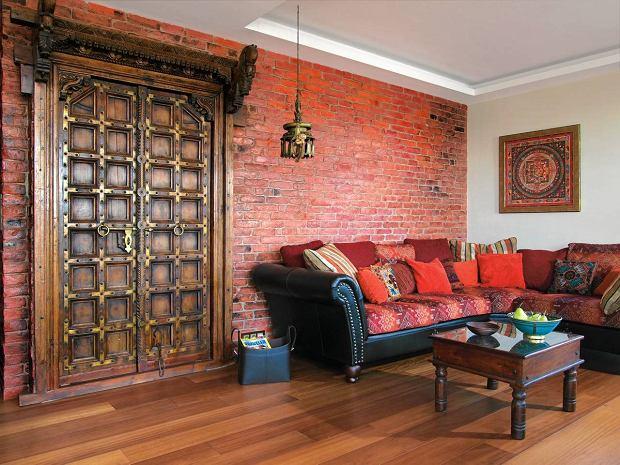 Egzotyczne drzwi w mieszkaniu Martyny Wojciechowskiej