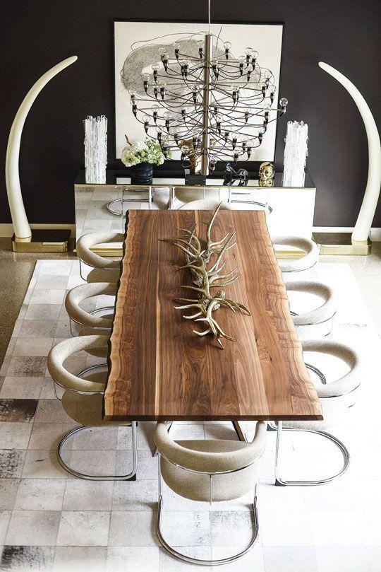 Współczesne wnętrze z rustykalnym stołem