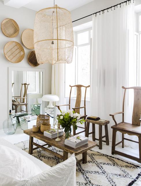 Stare azjatyckie krzesła z drewna