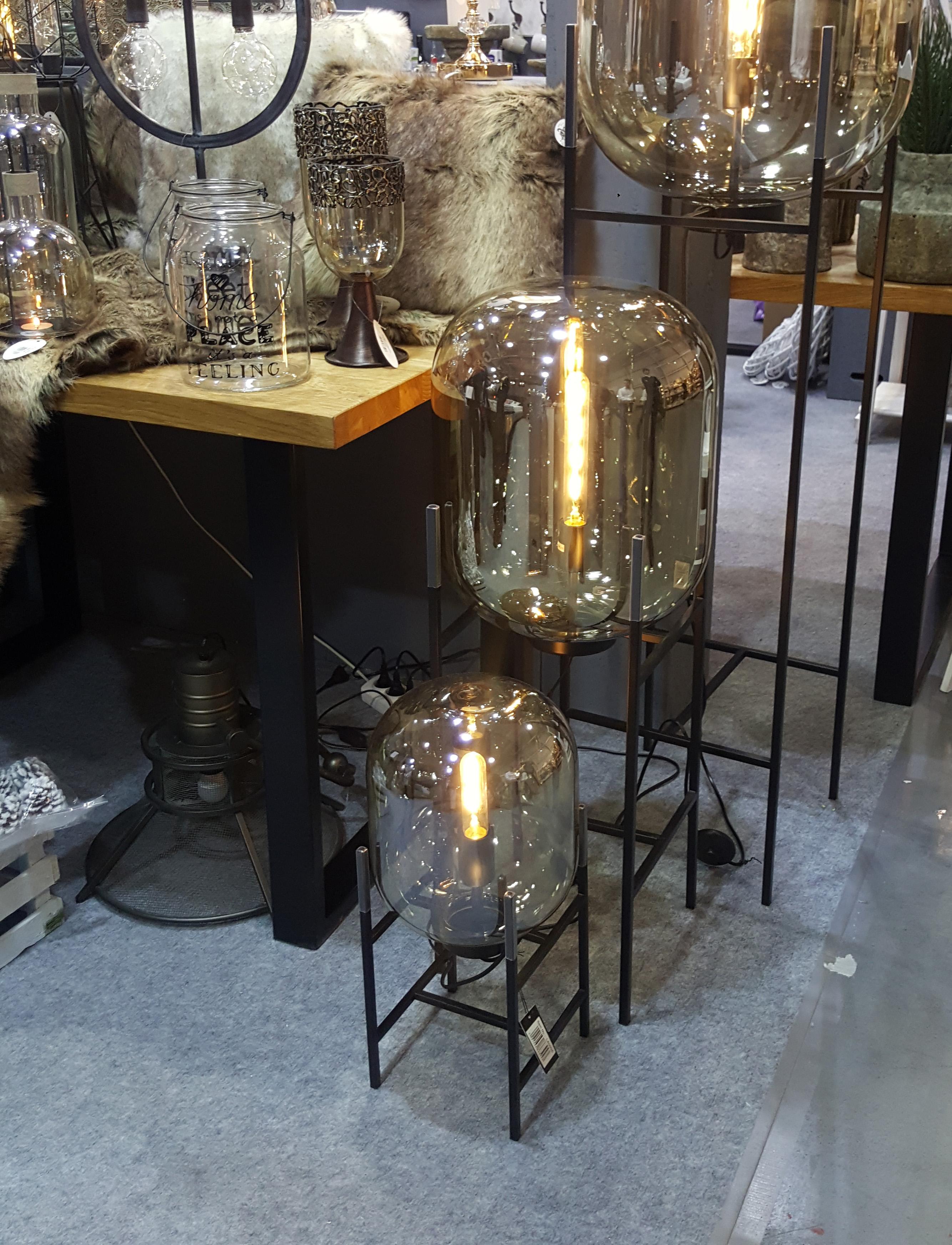 Lampy podłogowe szklane duże