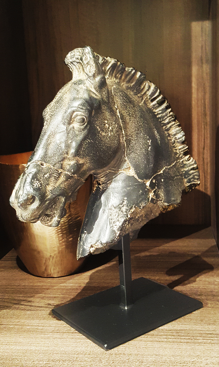Rzeźba figurka głowa konia