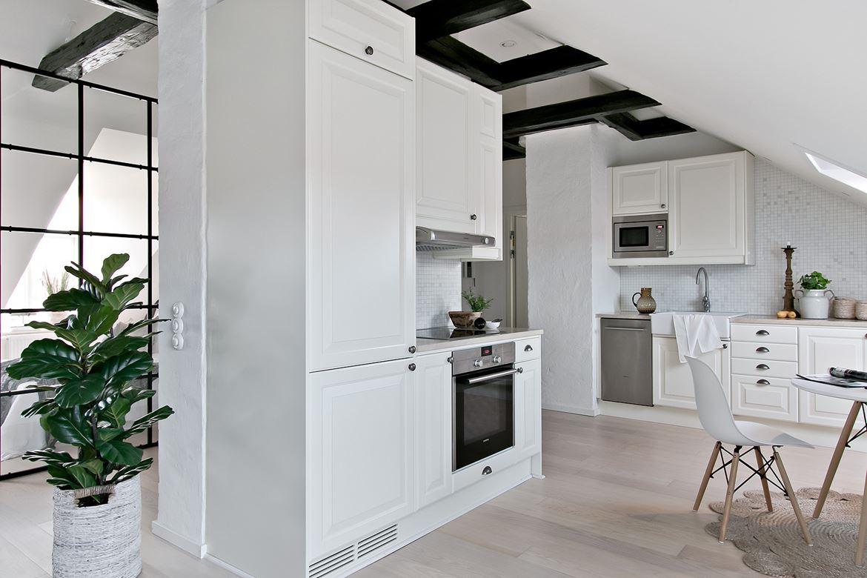 Biała skandynawska kuchnia