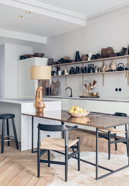 Krzesła w kuchni Hansa Wegnera dla marki PP Furniture