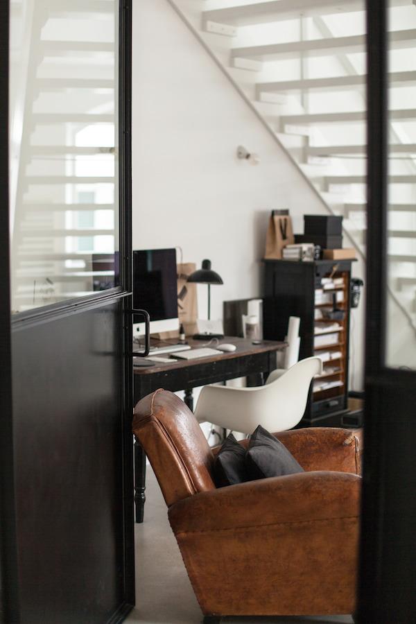 Domowe biuro w stylu industrialnym