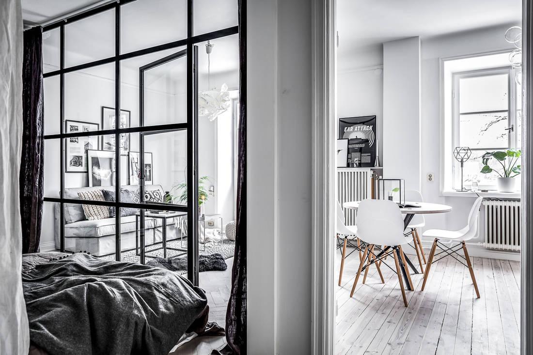 Małe mieszkanie w bloku w stylu skandynawskim
