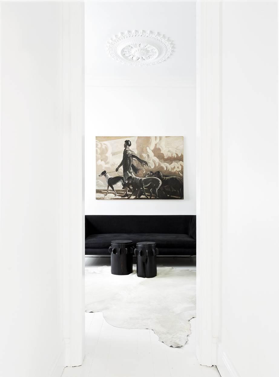 Biało czarny salon
