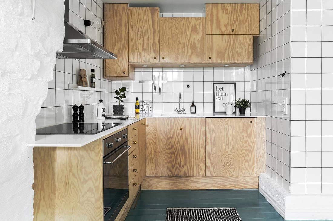 Turkusowa podłoga w kuchni