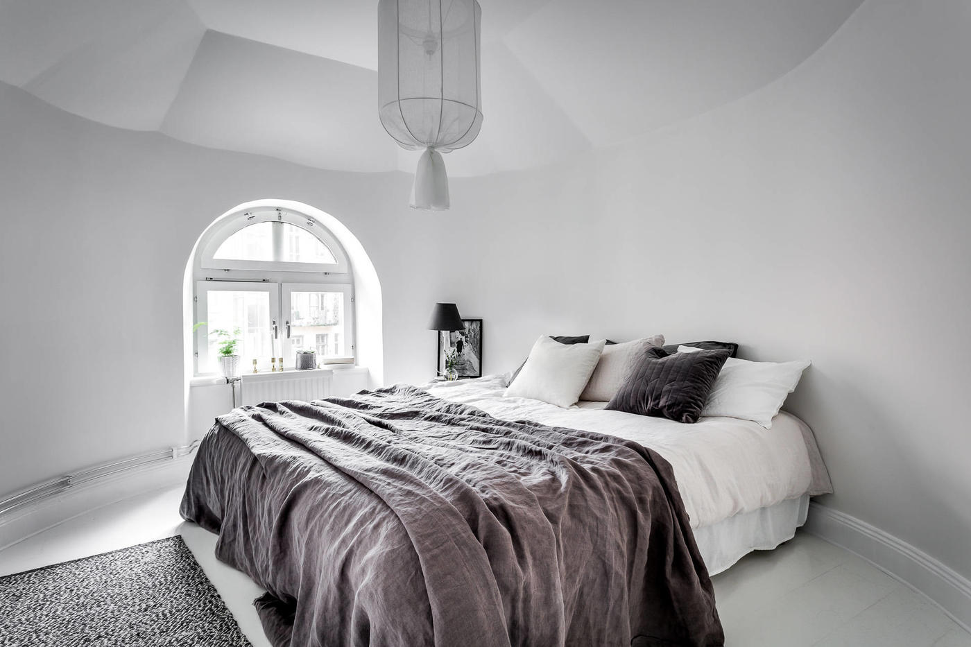 Skandynawska sypialnia na poddaszu