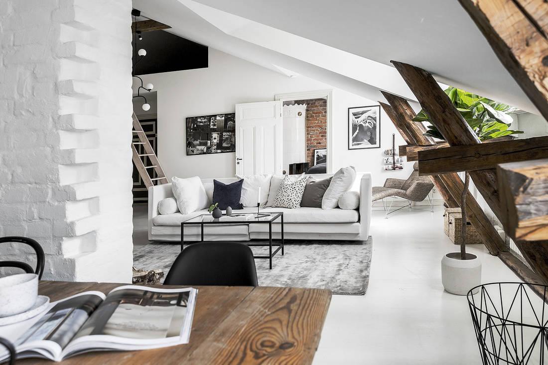 Salon na poddaszu pokój dzienny inspiracje