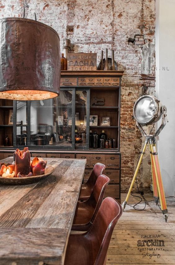 Industrialna kuchnia z cegłą