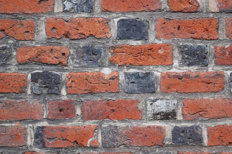 Wątek gotycki cegieł w starym murze