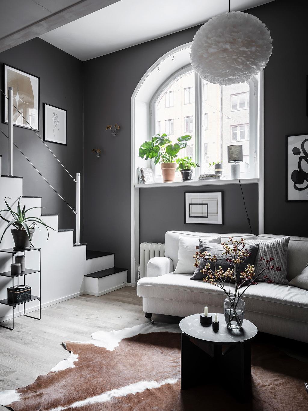Szary salon w stylu skandynawskim