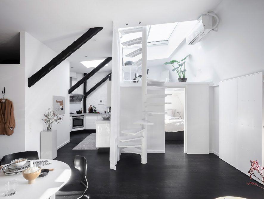 Loft z antresolą w stylu skandynawsko-rustykalnym