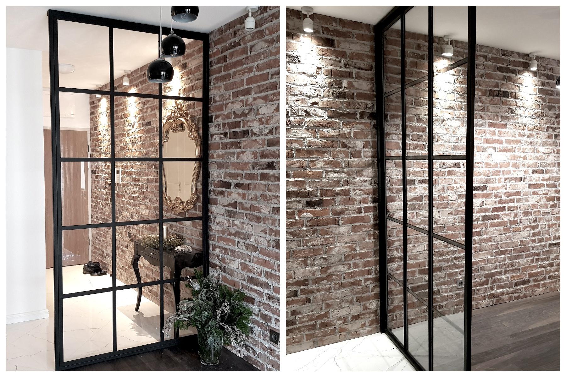 Szklana ścianka między salonem a przedpokojem