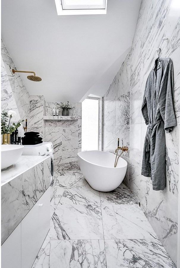 Marmur Calacatta w łazience