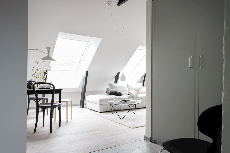 Mały salon w stylu skandynawskim