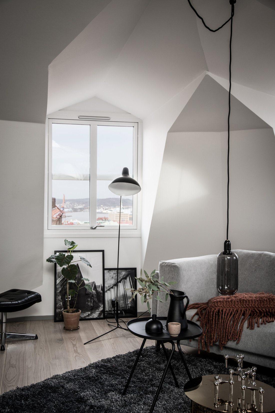 Duże skosy w skandynawskim mieszkaniu