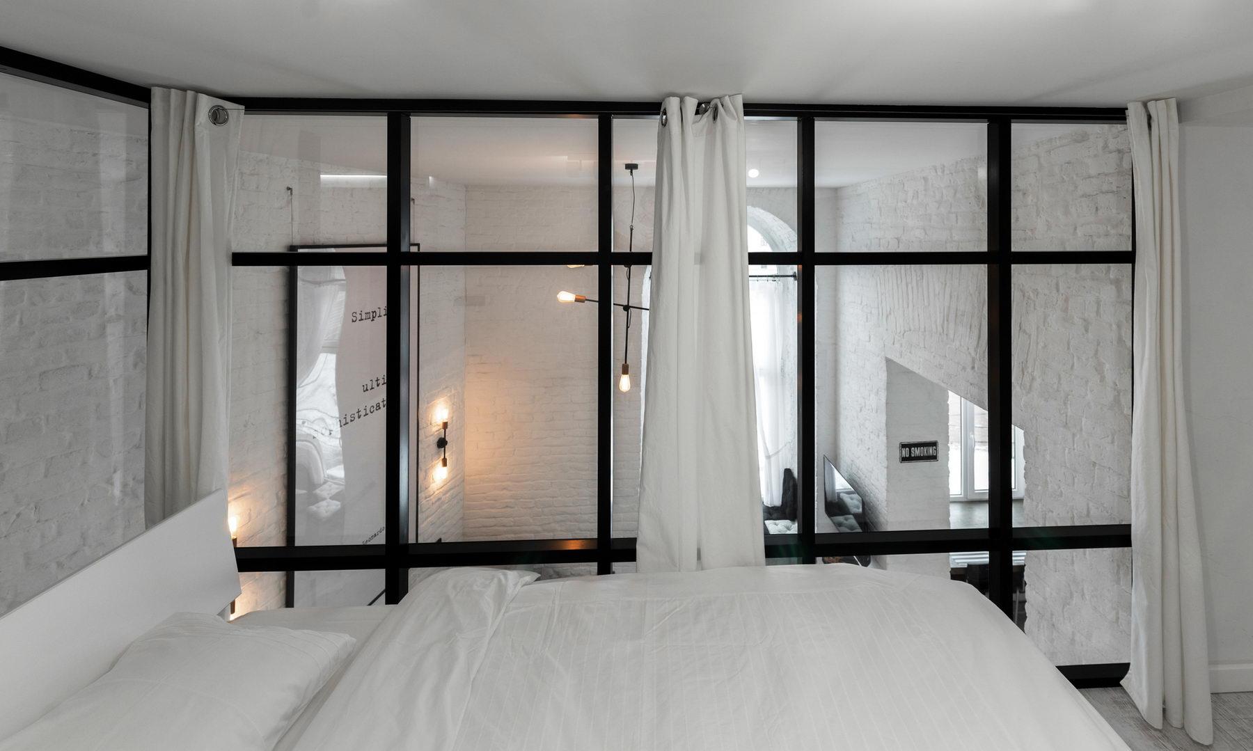 Sypialnia na szklanej antresoli