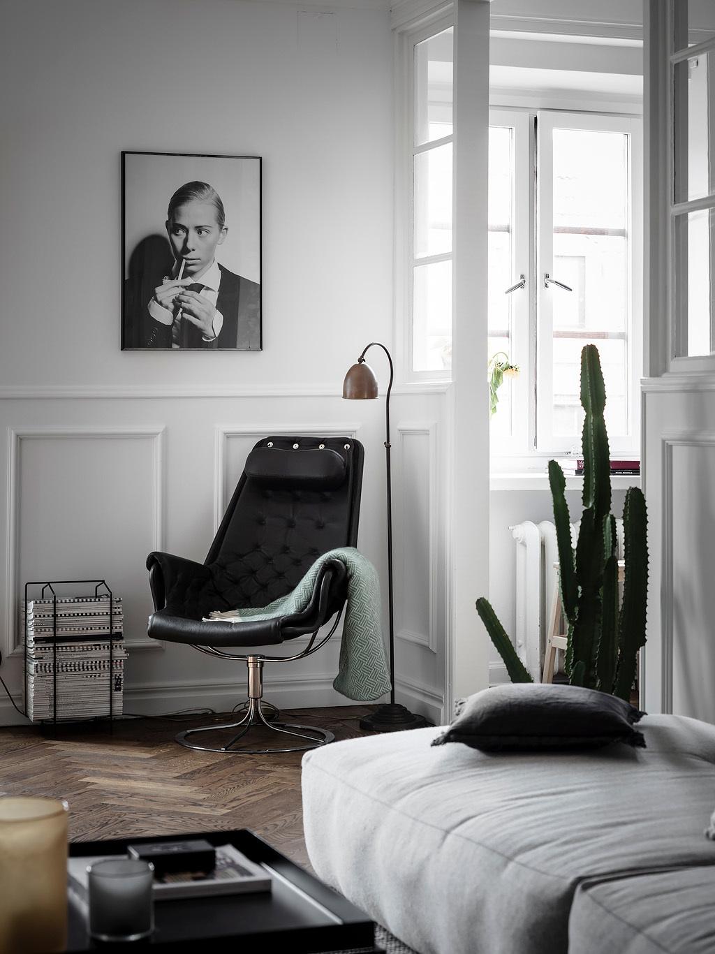 Fotel vintage z czarnej skóry