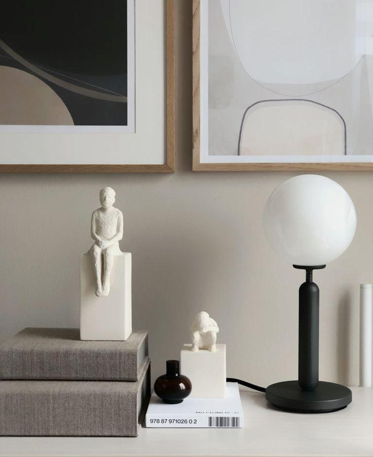 Rzeźby i oświetlenie jako dekoracja