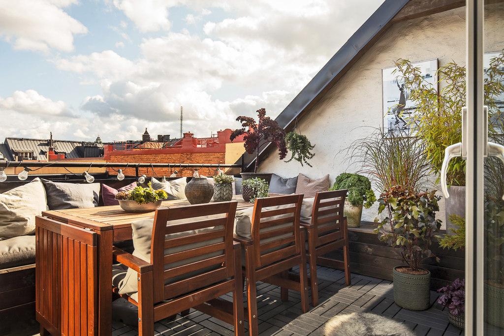 Taras z widokiem na dachy