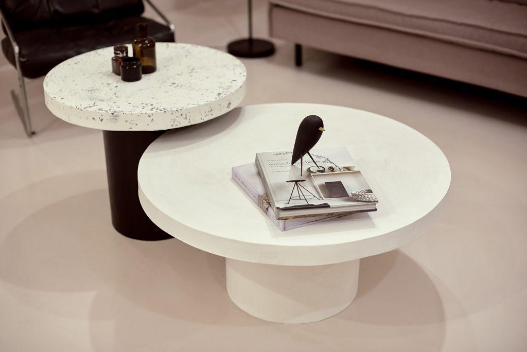 Duży biały stolik kawowy okrągły
