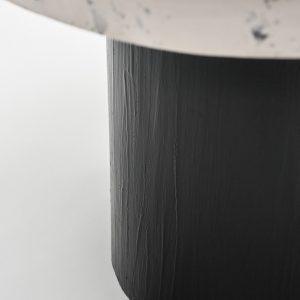 Czarna noga stolika kawowego ręcznie robionego walec