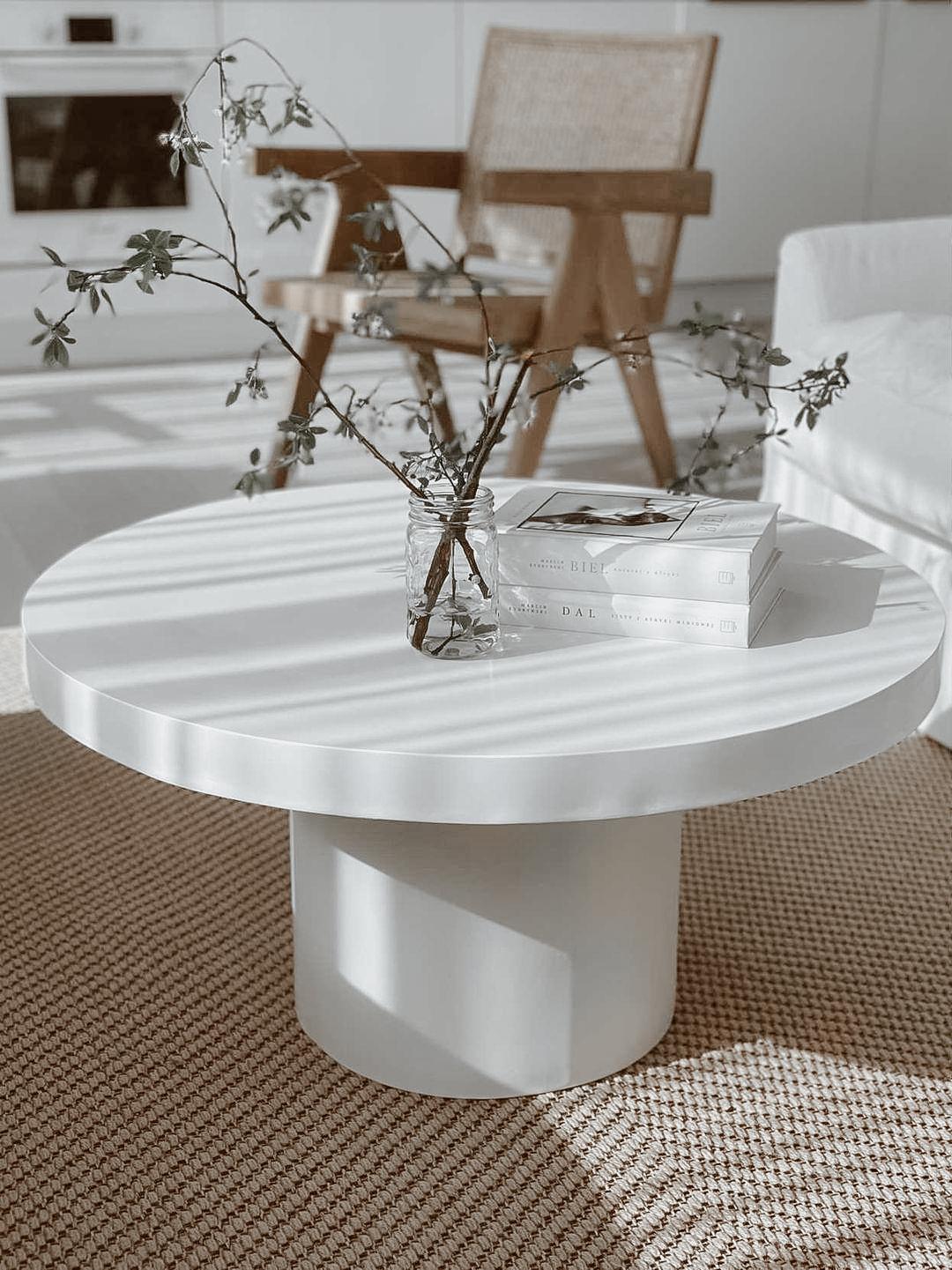 Stolik kawowy biały na nóżce