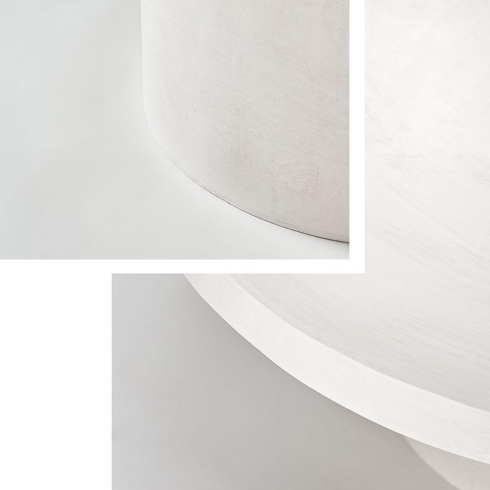 Biały duży stolik do salonu
