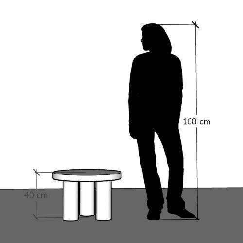 Wysokość stolika na trzech nogach 40 cm