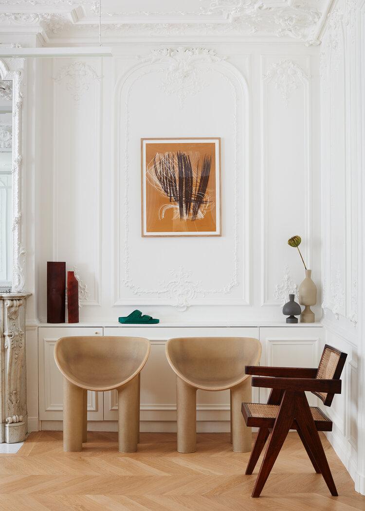 Fotele Roly-Poly od Faye Toogood w salonie